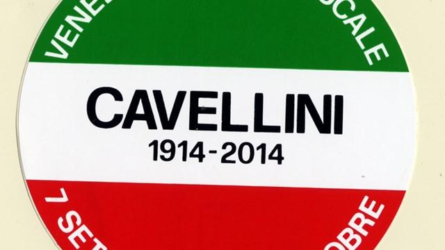Sticker di Cavellini che reclamizza una mostra inesistente, anni Settanta del Novecento, Mart, Archivio del '900, Carte Cavellini