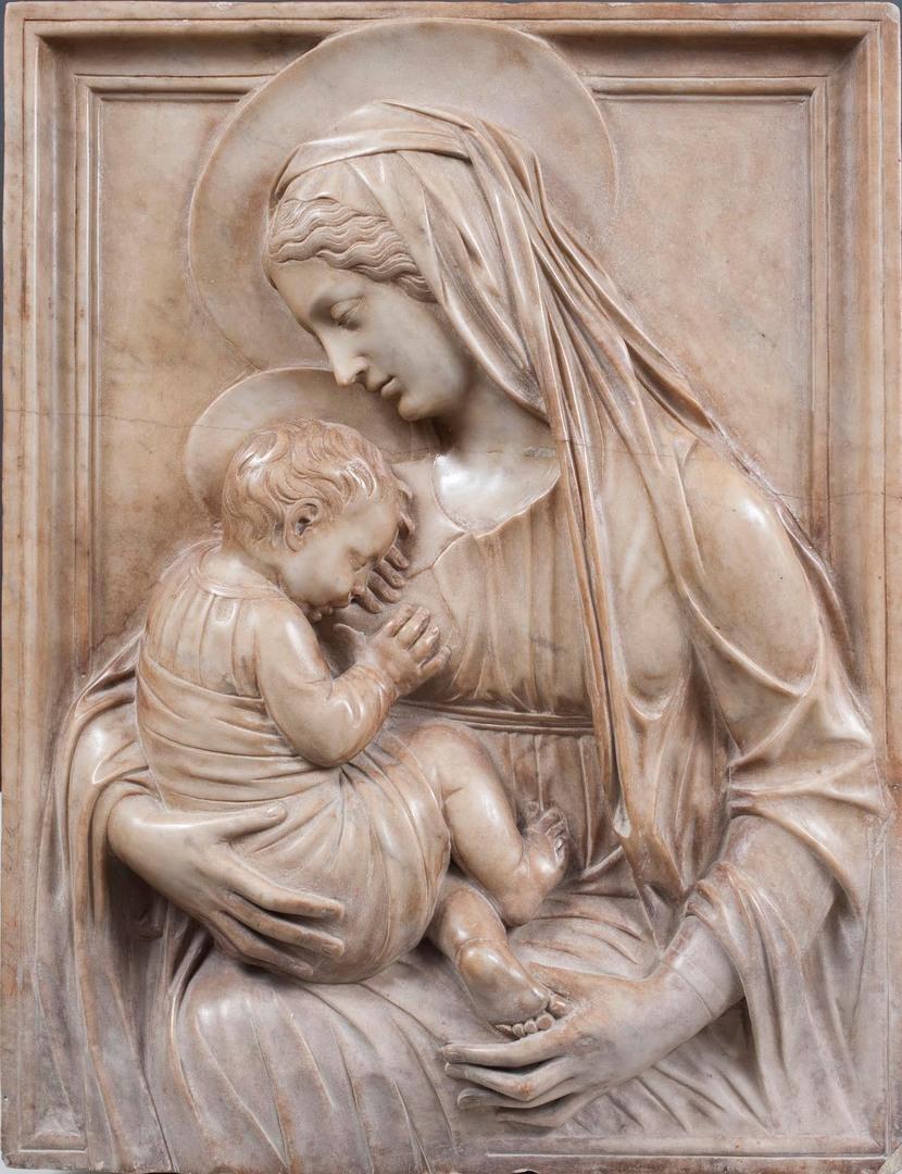 """Alceo Dossena, """"Madonna con bambino"""", 1934, marmo Courtesy Brun Fine Art"""