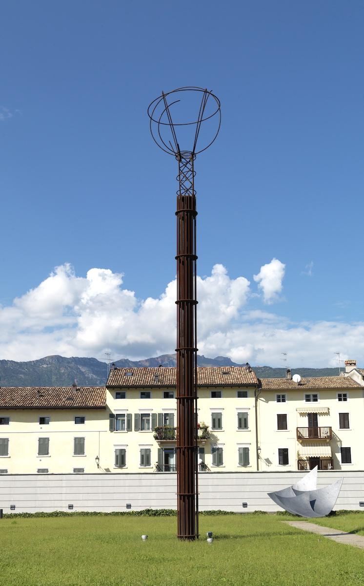 "Eliseo Mattiacci, ""Sonda spaziale"", 1993-1995"