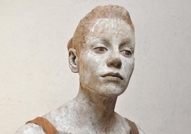 """Bruno Walpoth, """"Why not?"""" (dettaglio), legno policromo, 2015, Courtesy l'artista"""