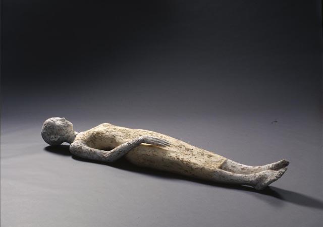 """Walter Moroder, """"Peteda ju"""", legno di cirmolo, colori acrilici, argilla, calce, colla, segatura, 2013, Collezione privata"""