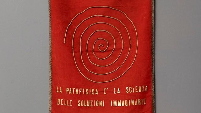 Gonfalone del Institutum Pataphysicum Mediolanense, anni Sessanta del Novecento, Mart, Archivio del '900, Fondo Baj